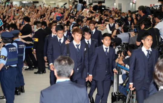 【 悲報 】長谷部誠さん、世界で称賛のロッカー清掃は「スタッフがやりました」