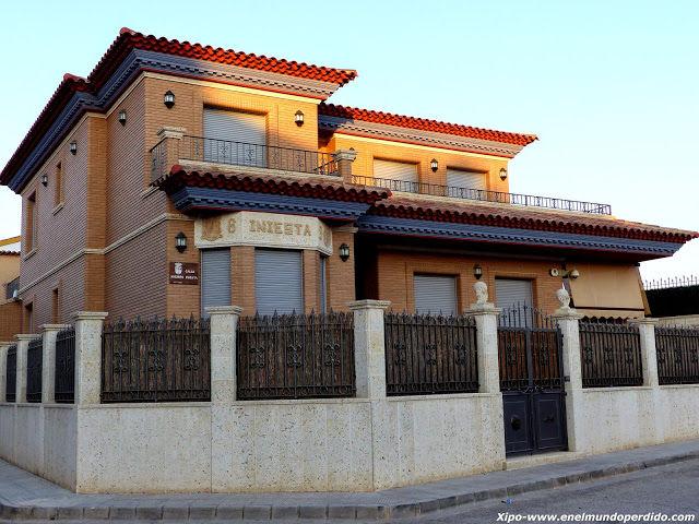 【 画像 】スペインにあるイニエスタの豪邸・・・!?