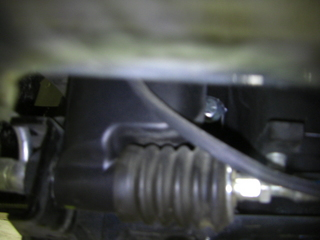 ハーレーダビッドソンのフロントO2センサーハーネス取り回し3