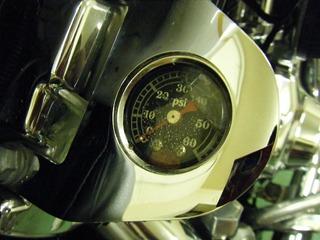 ハーレーの油圧計