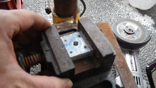 ハーレーの特殊工具ネジ穴貫通