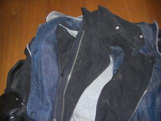 バトルジャケットの襟脱着機構
