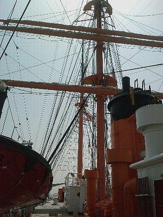 海王丸甲板