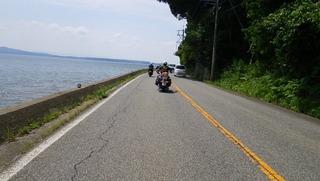 ハーレーと海岸