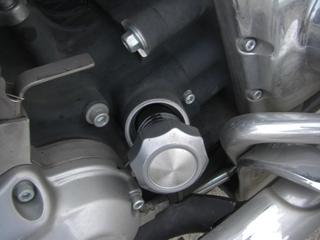 ハーレーダビッドソンのエンジンオイル注入口