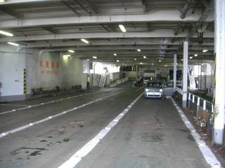ハーレーダビッドソンを運んだフェリー車両甲板