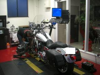 ハーレーダビッドソンの馬力計測準備
