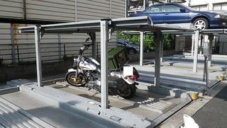 ハーレーの盗難対策ガレージ