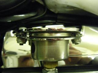 ハーレーの油圧計ブラケット