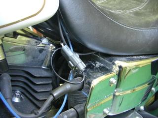 ハーレーダビッドソンのバッテリー充電カップリング