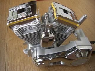ハーレーダビッドソンのエンジンとホーン