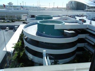 フライアンドライドと沖縄の駐車場