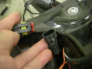 ハーレーダビッドソンのリヤO2センサーカプラー