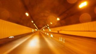 ハーレーと安房トンネル中