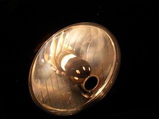 ハーレーのヘッドライトリフレクター焼け
