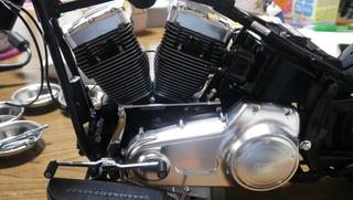 ハーレーダビッドソンのエンジンプライマリー側