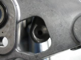 ハーレーのロッカーアーム油圧ライン