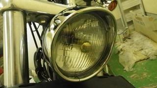 ハーレーのバイザースタイルヘッドライトトリムリング装着