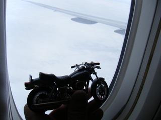 ハーレーと飛行機