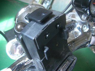 ハーレーのカーナビ接触修理4