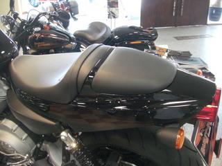 XR1200のシート、リヤカウル