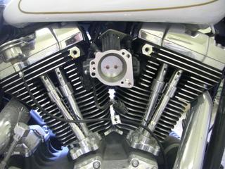 ハーレーダビッドソンのエンジンとスロットル