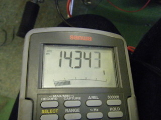 ハーレーダビッドソンのアイドリング電圧