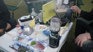 ハーレーのキャンプと刺身