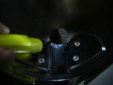 ハーレーダビッドソンのヘッドライトハーネス取り出し穴加工