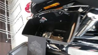 ハーレー2012年モデル スイッチバックのサイドケース