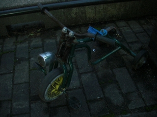 スプリンガーフォークの三輪車