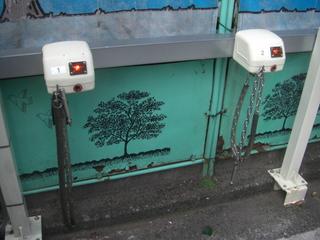 ハーレーダビッドソンの盗難防止 有料駐輪場チェーンロック