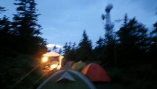 ハーレーのキャンプ夕方