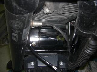 ハーレーダビッドソンのセンサーフィッティングとオイルフィルター
