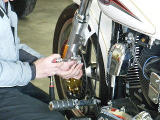 ハーレーのブレーキディスクローター交換方法