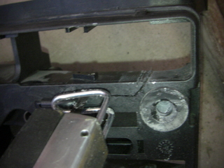 ハーレーのダイナ電装BOX加工1