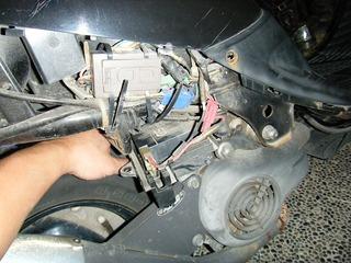 原付バイクのバッテリー交換