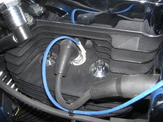 ハーレーダビッドソンのシリンダーヘッドとプラグ、温度センサー