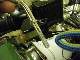 ハーレーのミラー固定ボルト