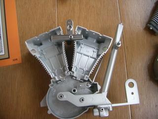 ハーレーダビッドソンのエンジン連結