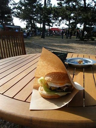 ハーレーのアメリカンサミットとハンバーガー