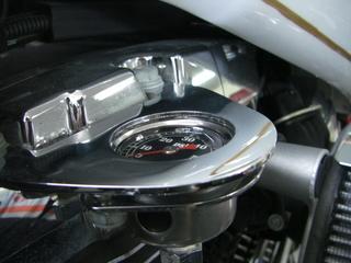 ハーレーダビッドソンの新品油圧計