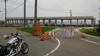 ハーレーと新幹線工事