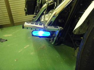 ハーレーのLEDフォグランプ点燈