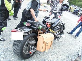 ボスホスのバイク リヤ