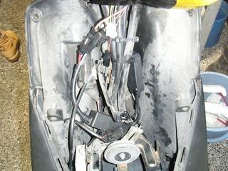 ヤマハ原付バイクHIDバラスト取り付け位置