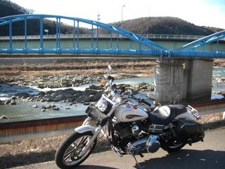 ハーレーダビッドソンと水道橋