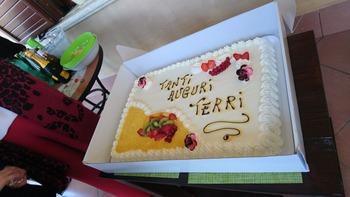 巨大なバースデーケーキ