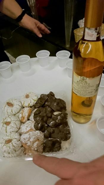 アーモンド菓子とチョコレート