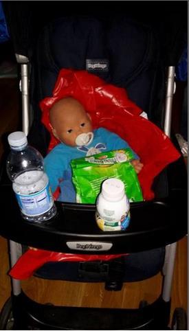 ニセの赤ん坊